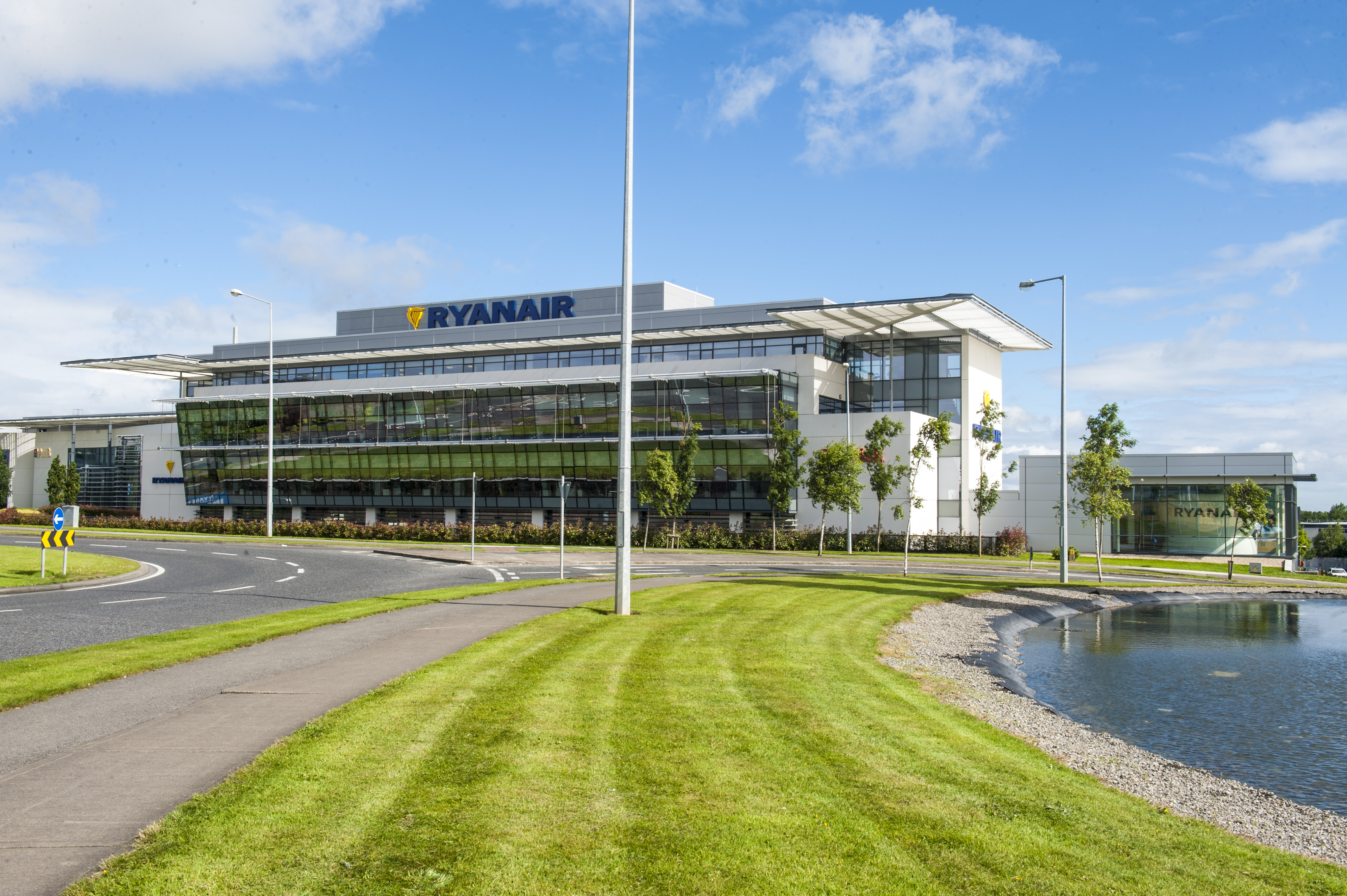 corporate governance ryanair Governance documents from an early stage ocado has aimed to have high standards of corporate governance for many years it has had a board with an independent.